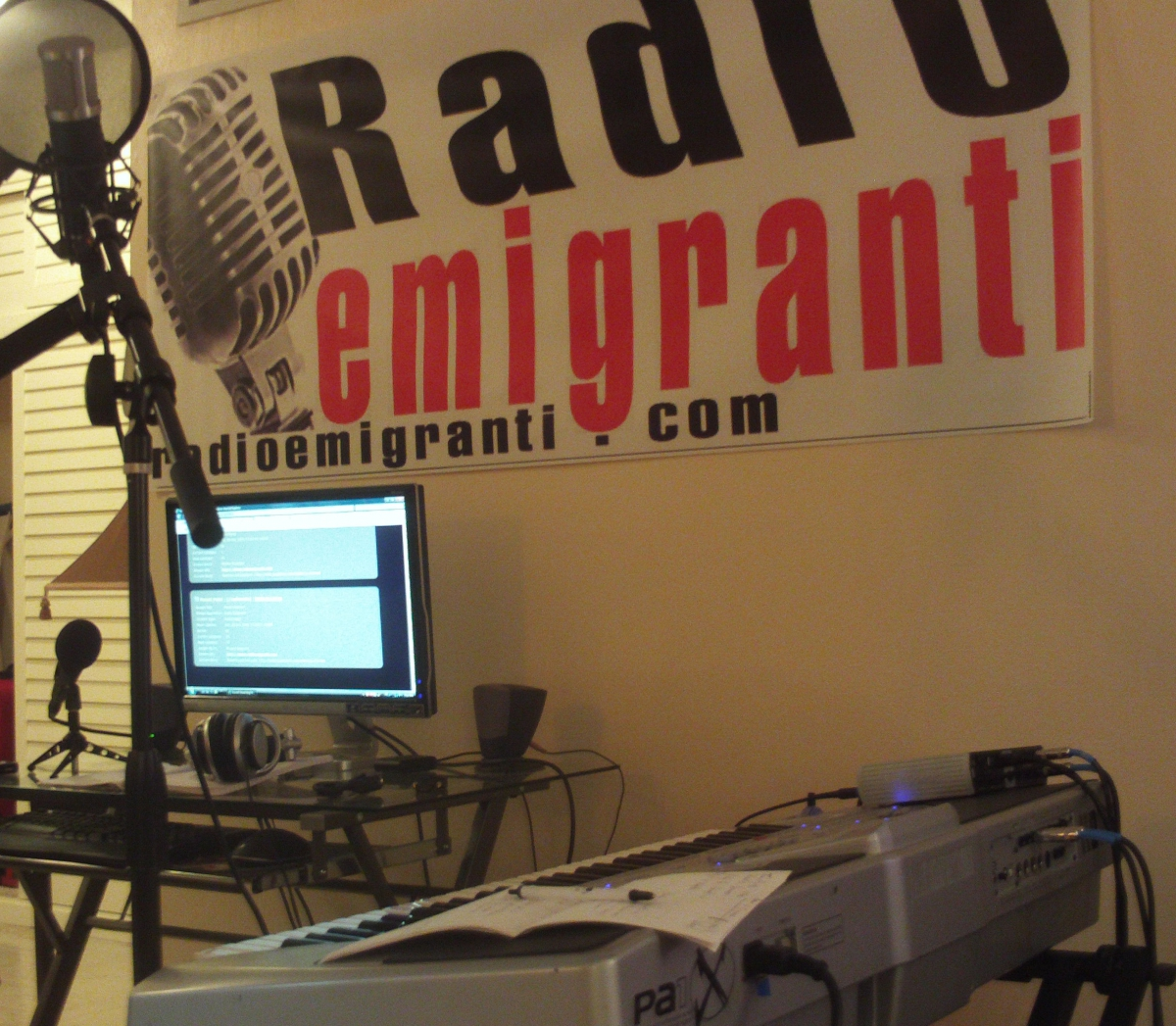 radio-emigranti-studio1